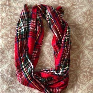 APT 9 scarf
